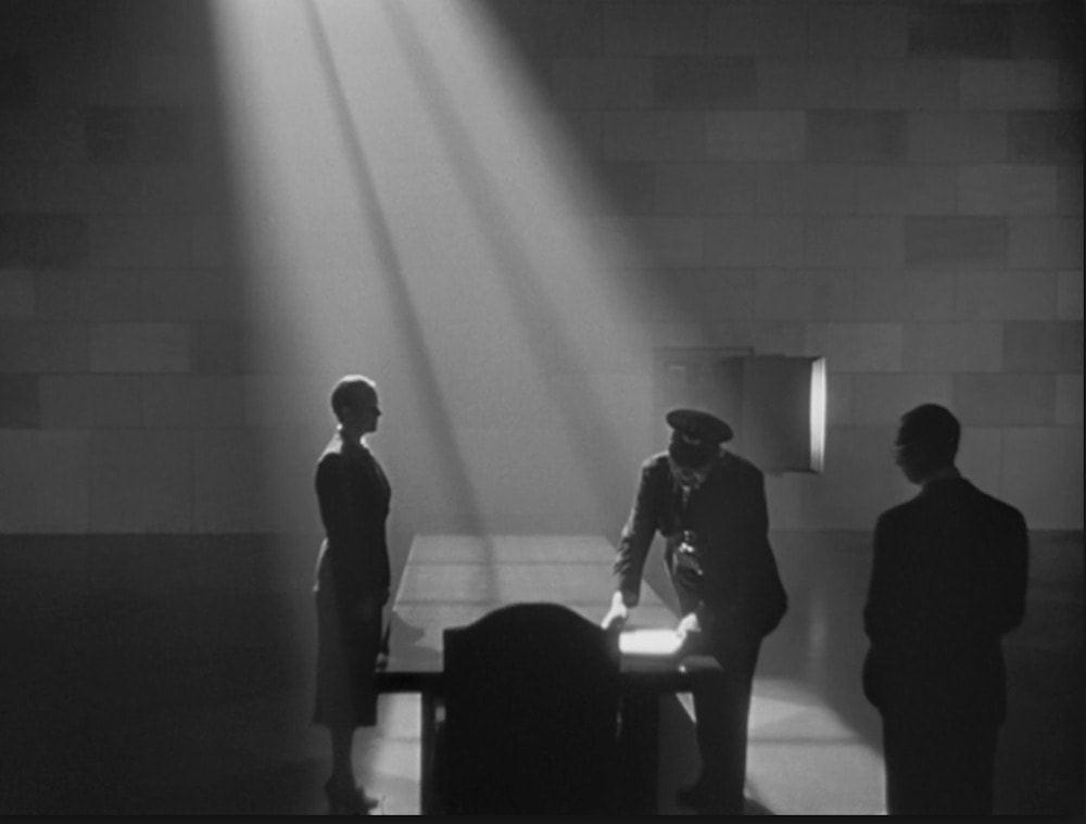 best cinematography techniques and tips light and shadow in citizen kane